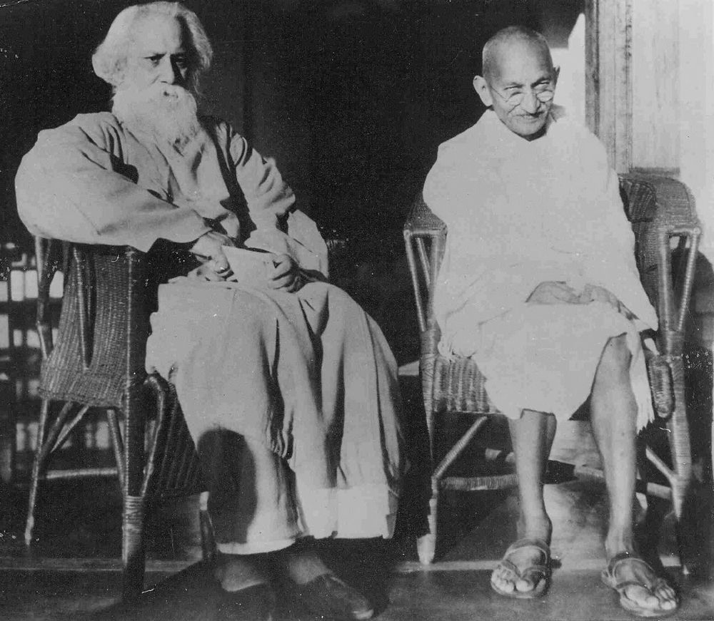 What gandhi did on politics: Gandhi and Tagore